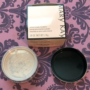 Mineral powder foundation and brush